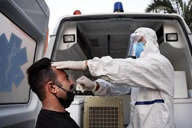 افراد مشکوک به کرونا طبق پروتکل های وزارت بهداشت بصورت رایگان نمونه گیری می شوند