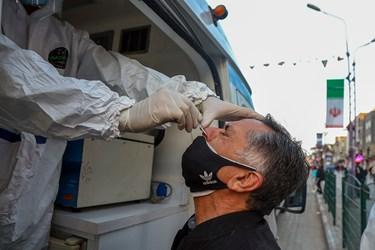 نمونهگیری کووید - ۱۹ از طریق آزمایشگاه سیار  در دو نقطه از شهر اهواز انجام می شود .