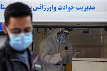 آزمایشگاه سیار دانشگاه در مناطق سلمان فارسی و کیانپارس اهواز استقرار یافته اند