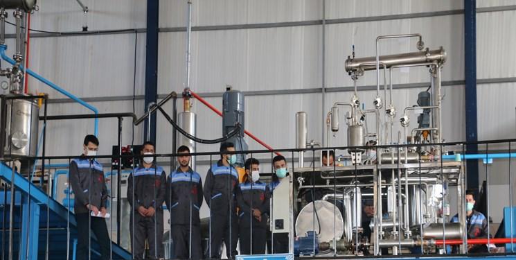 سرمایه گذاری که به وصیت پدر کارخانه می سازد/اشتغالزایی ۳۰ نفری در فاز اول واحد تولیدی رزین