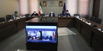 تجلیل ۳۵ هزار خانواده شهید/ وزیر ارشاد: خدمت به دین و مردم، دوبال رسیدن به شهادت