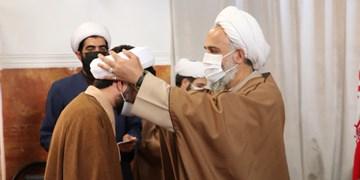 برگزاری آیین عمامهگذاری در مدرسه منصوریه/ ملبس شدن به لباس روحانیت فرصتی برای خدمت به مردم است
