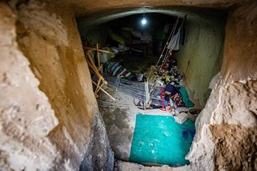در سالهای گذشته از زیرزمین خانهها بهعنوان محل بافت این محصول استفاده میشد