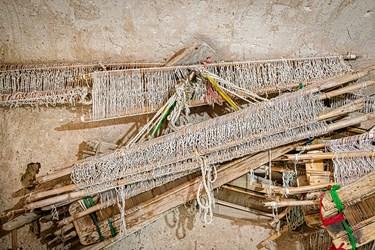 ابزارهای قدیمی مورداستفاده برای بافت حوله و جولیکین پالاس