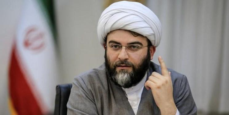 قمی: اگر مسجد محلهای احیا شود، زندگیها آباد میشود/میدانداری مردم در سند ملی مسجد