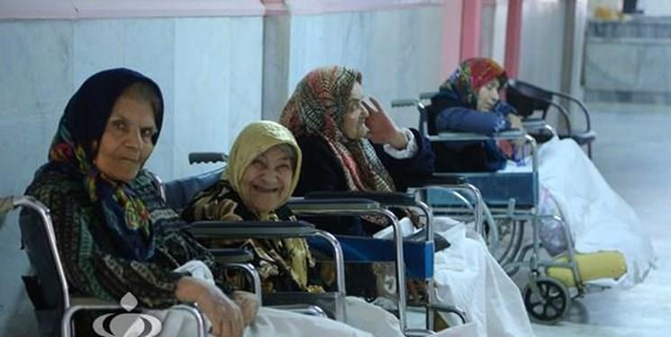 آغاز واکسیناسیون سالمندان و معلولان آسایشگاه کهریزک با حضور وزیر بهداشت