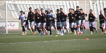 فیلم| گرم کردن بازیکنان پرسپولیس و نفت مسجد سلیمان