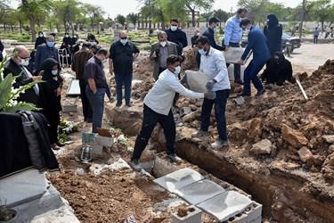 تدفین شهید مدافع سلامت «فاطمه نجمالسادات»