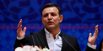عزیزی خادم: آقازاده نیستم و آمدهام به فوتبال کمک کنم/اگر نامزد نبودم به علی کریمی رای میدادم