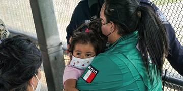 آمریکا ماه گذشته نزدیک به ۱۰۰ هزار مهاجر را بازداشت کرده است