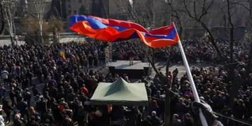 تحولات ارمنستان؛ معترضان به یک ساختمان دولتی حمله کردند+فیلم