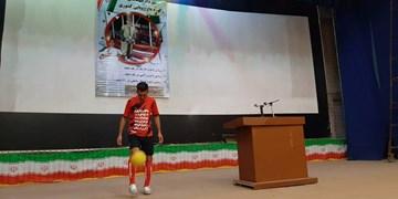 ثبت رکورد روپایی با توپ داژبال و راگبی توسط ورزشکار استان فارسی