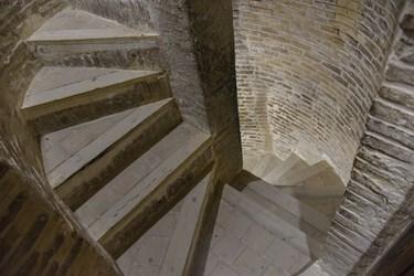 گنبد سلطانیه دارای 110 پله و سه طبقه مجزا می باشد.