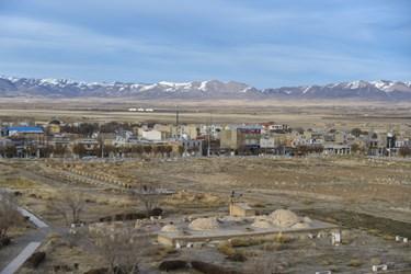 دشت سلطانیه که یکی از ویژگی های خاص این شهر برای گسترش در دوره ایلخانی بوده است .