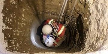 نجات یک نفر از چاه در همدان با تلاش ۱۰ ساعته ۱۵ آتشنشان