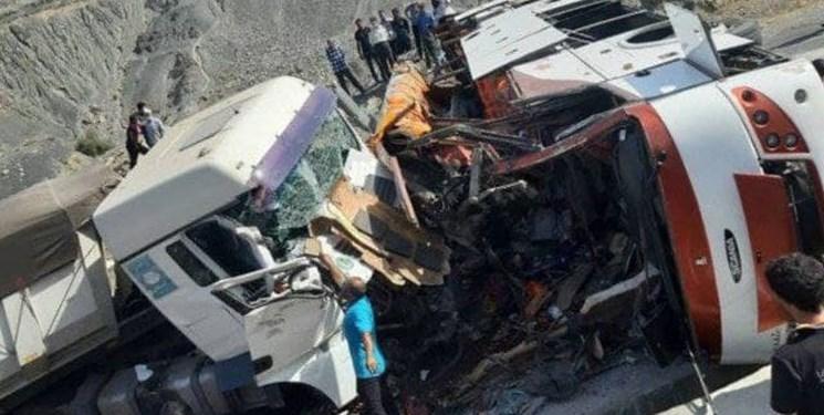 اسامی مجروحان و فوتیهای سانحه تصادف اتوبوس با تریلی در محور منوجان به رودان