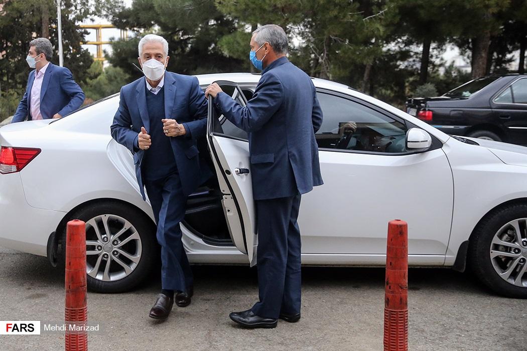 ورود منصور غلامی وزیر علوم، تحقیقات و فناوری به محل برگزاری آزمون دکتری ۱۴۰۰ در دانشگاه شهید بهشتی