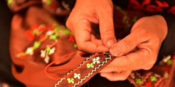 تولید روزانه ۳٠٠ متر مربع پارچه دستباف در دهکده نساجی کشور