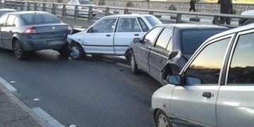 تصادف زنجیرهای ۸ خودرو در محور جهرم