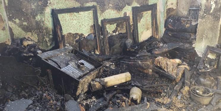 13991216000459 Test PhotoN - اطفاء آتشسوزی چند خانه با تلاش نفسگیر آتشنشانان رشتی + عکس