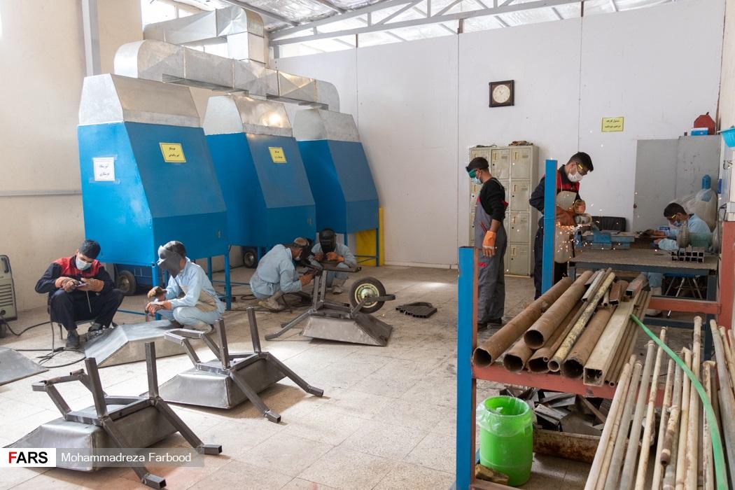 کارگاه جوشکاری و تولید سازه های فلزی در مجموعه آموزش اشتغالزایی بهبود یافتگان از اعتیاد در شیراز