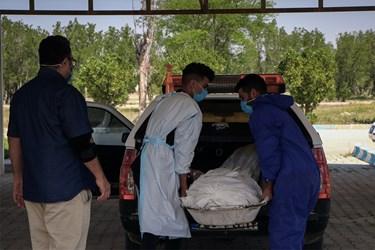 در روزهای اخیر و با توجه به وضعیت قرمز استان خوزستان و شهر اهواز، مراجعه به این مرکز افزایش یافته است.