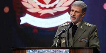 وزیر دفاع: نیل به اهداف عالی در زمینه موشکی را با قدرت در سال ۱۴۰۰ ادامه میدهیم