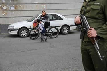 در حاشیه گرداندن اراذل و اوباش محله فلاح تهران