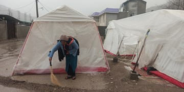 زلزلهزدگان سیسخت غرق در مشکلات ریز و درشت/از مستاجرهای پریشان تا بیرحمی سرما و باران+فیلم