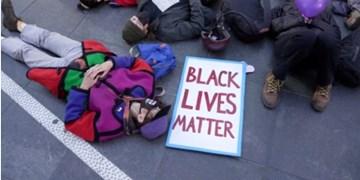تظاهرات در سالروز قتل جوان سیاهپوست آمریکایی به خشونت کشیده شد+ویدئو