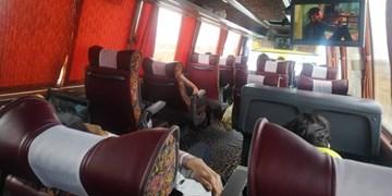 عدم رعایت فاصلهگذاری اجتماعی و مسافر اتوبوسی که صدایش به جایی نمیرسد