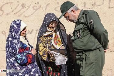 حضور خانواده شهدا در مراسم دیدار حجت الاسلام حسن روحانی رییس جمهوری با مردم روستای جامی استان خراسان شمالی
