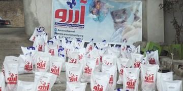 کمک مومنانه| توزیع ۱۰۰ بسته مواد غذایی و البسه نو در پارسآباد