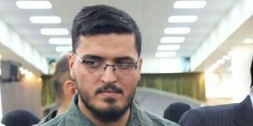 تصویری از شهید مازندرانی مدافع حرم در کنار حاج قاسم سلیمانی