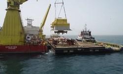 ایران در آستانه صادرات نفت خام از دریای عمان/نخستین گوی شناور پایانه نفتی جاسک نصب شد