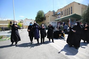 خانواده شهید اسماعیل اللهوردی در مراسم تشییع