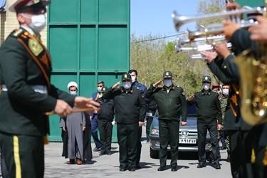 حضور سردار حسین اشتری  فرمانده کل ناجا در مراسم تشییع شهید مدافع امنیت در اصفهان
