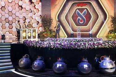 گفتوگوی رضا رشیدپور با شرکتکنندگان در مسابقه تلویزیونی «سیم آخر»
