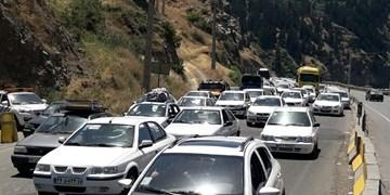 ترافیک سنگین در همه محورهای تهران-شمال/تردد پرحجم خودرو در جاده فشم و آزادراه تهران-پردیس