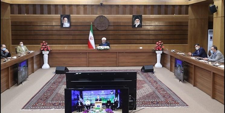 ارتباط تصویری روحانی با تعدادی از مراکز هلال احمر و پلیس راهور