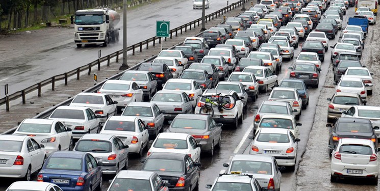 ورود ۴۴۱ هزار و ۸۰۷ وسیله نقلیه به گیلان