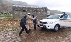 امدادرسانی مرزبانان آذربایجانغربی به سیلزدگان منطقه مرگور ارومیه