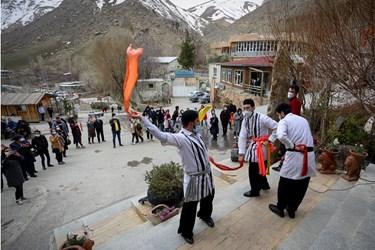 گردشگران نوروز در کهنشهر همدان