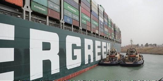 کشتی اور گیون تکان خورد، اما معلوم نیست چه زمانی از کانال سوئز بیرون میآید