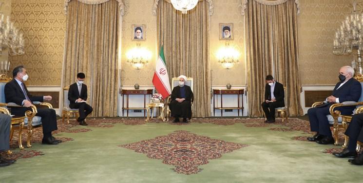 روحانی تاکید کرد: ضرورت تسریع در عملیاتی شدن توافقات ایران و چین درخصوص پروژههای زیرساختی