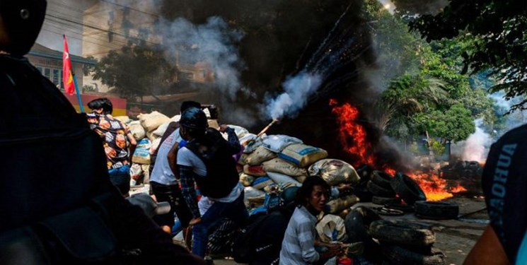 کشتار بیش از ۸۰ نفر از معترضان توسط ارتش میانمار در یک روز
