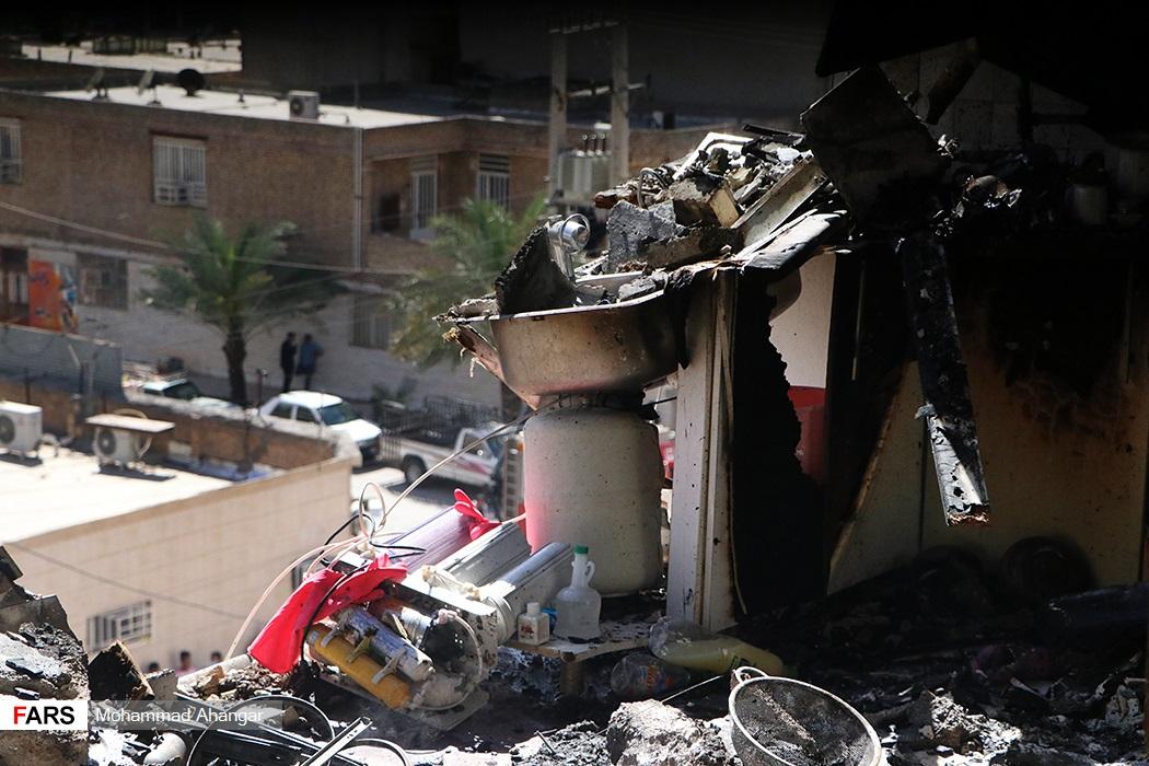خسارات وارده به علت آتش سوزی در یک واحد مسکونی ۴ طبقه در منطقه کیان آباد به دلیل انفجار گاز