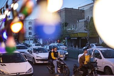 چراغانی و آذینبندی خیابانهای تهران به مناسبت  فرارسیدن نیمه شعبان و میلاد امام زمان (عج)