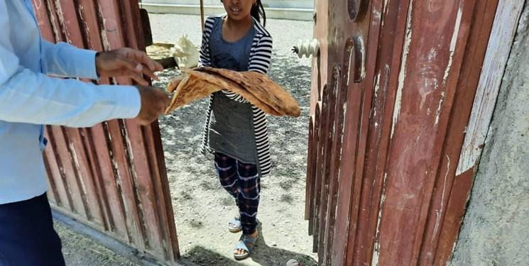 توزیع ۱۵۵ هزار قرص نان صلواتی به نیت از شهدا در سیستان و بلوچستان