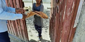 نانواییهای گنبدکاووس در خط مقدم محرومیتزدایی/ توزیع ۵۰ میلیون تومان نان میان نیازمندان